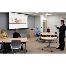Оснащение конференц-зала BasicPro с проектором